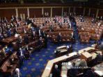 massa-pendukung-donald-trump-serbu-gedung-kongres-amerika-serikat-121212.jpg