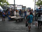 melihat-kesibukan-di-pelabuhan-kelas-iii-manado-rabu-306202114.jpg