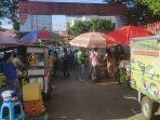 menikmati-food-court-di-area-koni-manado-sore-hari.jpg
