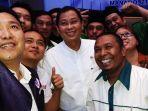 menteri-esdm-berswafoto-bersama-pemuda_20171021_141443.jpg