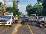 mobil-isuzu-panther-vs-truk-tronton-di-jalur-pantura-tuban.jpg