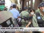 nampak-para-polisi-di-hong-kong-tengah-berusahan-mengamankan.jpg