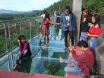objek-wisata-kaca-di-noongan.jpg
