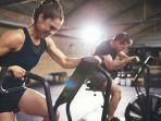 olahraga-di-gym_20171209_091430.jpg