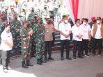 panglima-tni-saat-berada-di-kantor-gubernur-sulawesi-utara-sabtu-4220215.jpg