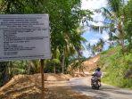 papan-proyek-pengerjaan-jalan-raya-desa-watuliney_20170504_195353.jpg