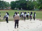 para-calon-paskibraka-kotamobagu-ketika-mengikuti-latihan.jpg