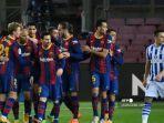 para-pemain-barcelona-merayakan-gol-bek-spanyol-barcelona.jpg