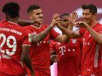 para-pemain-bayern-muenchen-merayakan-gol.jpg