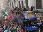 parade-tim-nasional-italia-usai-juara-euro-2020.jpg