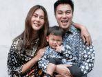 pasangan-suami-istri-paula-verhoeven-dan-baim-wong-bersama-anaknya-kiano-tiger-wong.jpg