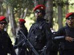 pasukan-satgultor-81-atau-sat-81-bentukan-prabowo-subianto-dan-luhut-pandjaitan-pemburu-teroris.jpg