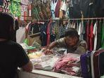 pedagang-di-pasar-tradisional-siau-terpaksa-banting-harga-dan-kreditkan-barang.jpg