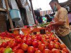 pedagang-komoditas-pertanian-holtikultura-di-pasar-bahu-77657575768887.jpg
