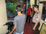 pelajar-beserta-barang-bukti-diamankan-polisi-di-polsek-wanea_20180304_113057.jpg