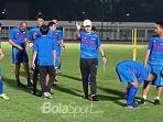 pelatih-timnas-indonesia-shin-tae-yong-di-stadion-madya.jpg