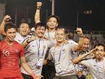 pelatih-timnas-indonesia-u-22-indra-sjafri-dan-para-pemain.jpg