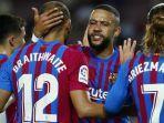 pemain-barcelona-merayakan-gol-ke-gawang-real-sociedad.jpg