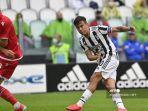 pemain-depan-juventus-asal-argentina-paulo-dybala-mencetak-gol.jpg
