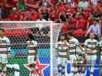 pemain-depan-portugal-cristiano-ronaldo-kiri-dan-rekan-satu-timnya.jpg