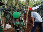 pemakaman-pelda-purn-rudolf-koya-dilaksanakan-secara-militer-di-tpu-desa-tincep.jpg