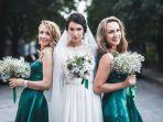 pengantin-wanita-bersama-bridesmaid.jpg