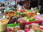 penjual-takjil-di-kawasan-boulevard-manado-ramai-di-bulan-ramadan.jpg