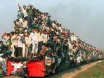penumpang-kereta-api-membludak.jpg