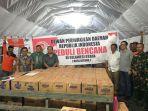 penyerahan-bantuan-dpd-ri-untuk-korban-bencana-bitung_20170219_135509.jpg