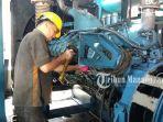 perbaikan-mesin-pembangkit-listrik-di-molibagu_20180522_121609.jpg