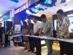 peresmian-samsung-experience-store-ses-itcenter.jpg