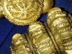 perhiasan-emas-motif-ikan.jpg