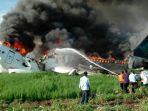 pesawat-garuda-indonesia-yang-terbakar-di-bandara-adisutjipto-yogyakarta.jpg