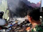 pesawat-jatuh-pagi-ini-di-jalan-gading-marpoyan-raya-kubang-jaya-w474272.jpg
