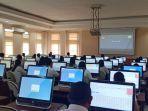 peserta-simulasi-skd-di-bkn-manado-senin-13012020.jpg