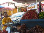 potret-pedagang-buah-di-kawasan-niaga-45.jpg