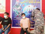prajurit-lanal-melonguane-melaksanakan-serbuan-vaksinasi-di-kabupaten-kepulauan-talaud.jpg