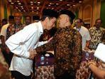 presiden-jokowi-berjabat-tangan-dengan-amien-rais.jpg
