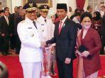 presiden-jokowi-saat-melantik-anies-dan-sandiaga-uno-sebagai-gubernur-dan-wakil-gubernur-jakarta.jpg