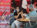 program-vaksin-merdeka-samrat-di-auditorium-unsrat-kota-manado3.jpg