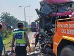 proses-evakuasi-kendaraan-yang-terlibat-kecelakaan-beruntun-di-km-69-tol-tangerang-merak.jpg
