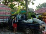 puluhan-mobil-truk-penyebrangan-antar-kepulauan-bermuatan-hasil-pertanian.jpg