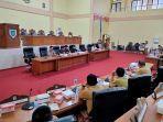 rapat-dengar-pendapat-yang-dilaksanakan-oleh-anggota-dprd-bolmong-komisi-i-jgjgjhgjg.jpg