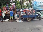 ribuan-asn-pemkot-manado-keroyok-sampah-di-manado-sabtu-522021-pagi.jpg