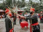 ritual-adat-pengutusan-joune-ganda-yang-dilakukan-di-desa-kaima.jpg