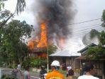 rumah-yang-terbakar-di-airmadidi_20170214_204453.jpg