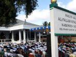 salat-ied-di-masjid-agung-al-falah-kyai-modjo-dfgfdg.jpg