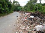 sampah-yang-terletak-di-pinggir-jalan-antara-kotabunan-bukaka-kabupaten-boltim-semakin-menumpuk.jpg
