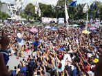 sandiaga-saat-berkampanye-di-lapangan-kelurahan-mogolaing-kecamatan-kotamobagu.jpg