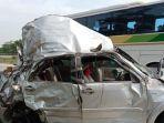 sebuah-minibus-daihatsu-terios-mengalami-kecelakaan-tunggal.jpg